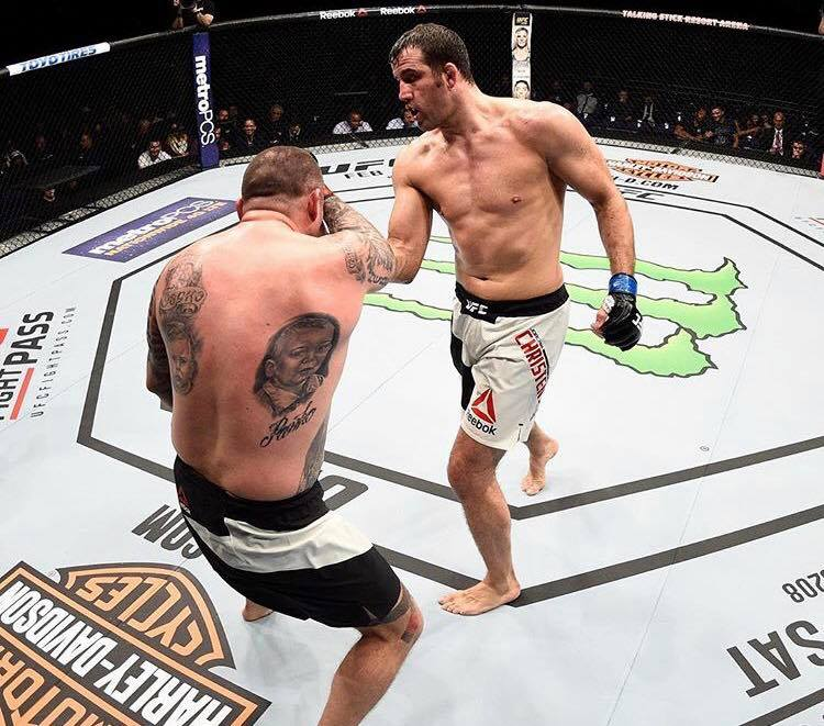 Joachim vinder på KO i UFC